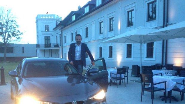 Prišiel som pozrieť do Chateau Appony **** či tu Dominika Cibulkova a spol.nenarobili bordel,ale všetko je ok...navyše dnes je tu nádherná Talianka ALFA ROMEO - The official page Alfa Romeo Giulia a vidieť,že to Taliani proste vedia s autami parádne;)))