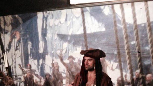 Dnes kormidlujem Modrú perlu v Košiciach,Orlando,Johny ani Kiera neprišli,ale zábavychtivých pirátov tu bude dosť ...
