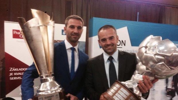 Martin Ševela mi dovolil šáhnuť si na trenčianske trofeje...Držím palce tomuto pracovitému trénerovi,verím že ide dobrou cestou a posunie sa aj vyššie...