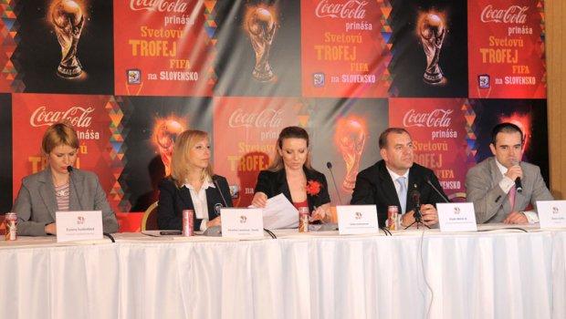 Na Slovensku bola trofej pre víťaza majstrovtiev sveta vo futbale a jedným z ambásadorov bol Vlado Weiss starší