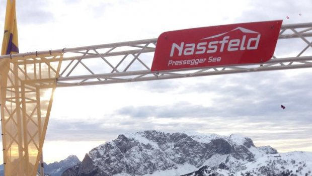 4 dni lyžiarsko-pracovnej makačky sú za nami,neviem či ma bolia viac stehná alebo ústa:)))Nassfeld   Gaastra Slovakia